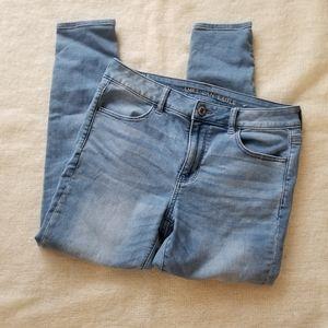 AEO light wash jegging skinny jeans 12 short